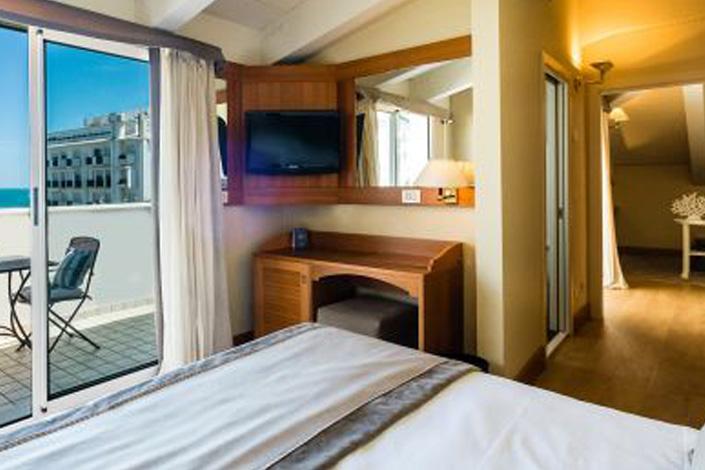 hotel 4 stelle riccione camere