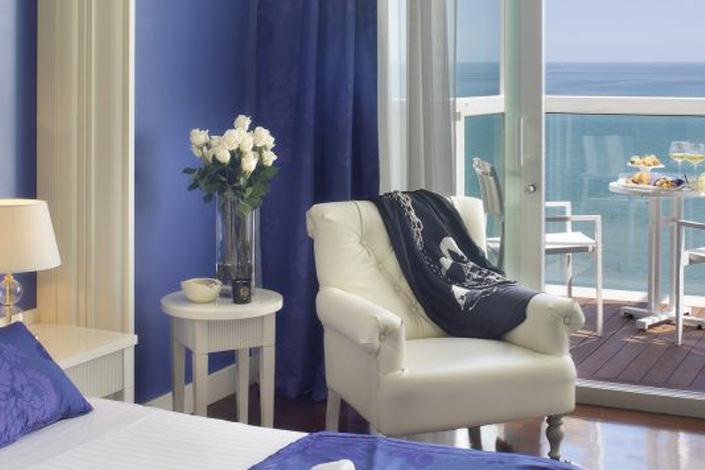 hotel 4 stelle riccione mare